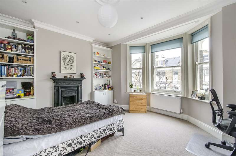 3 Bedrooms Flat for sale in Norfolk Mansions, Santos Road, London, SW18