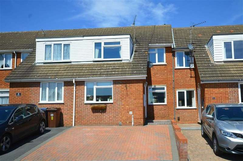 3 Bedrooms Terraced House for sale in Dovedale, Ware, Hertfordshire, SG12