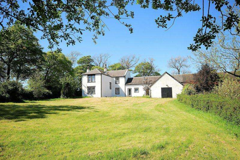 5 Bedrooms Country House Character Property for sale in Greenhead Farmhouse, Grassyards Road, Kilmarnock, KA3 6HG