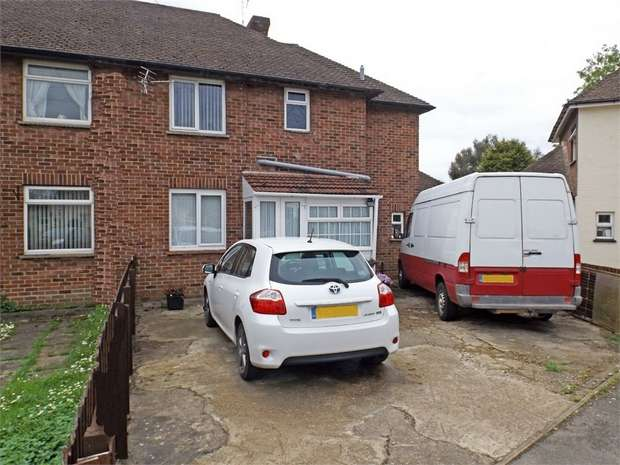 3 Bedrooms Semi Detached House for sale in Cherrytree Grove, Spalding, Lincolnshire