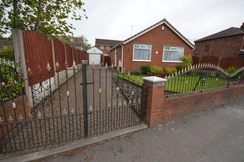 2 Bedrooms Bungalow for sale in Roman Road, Manchester