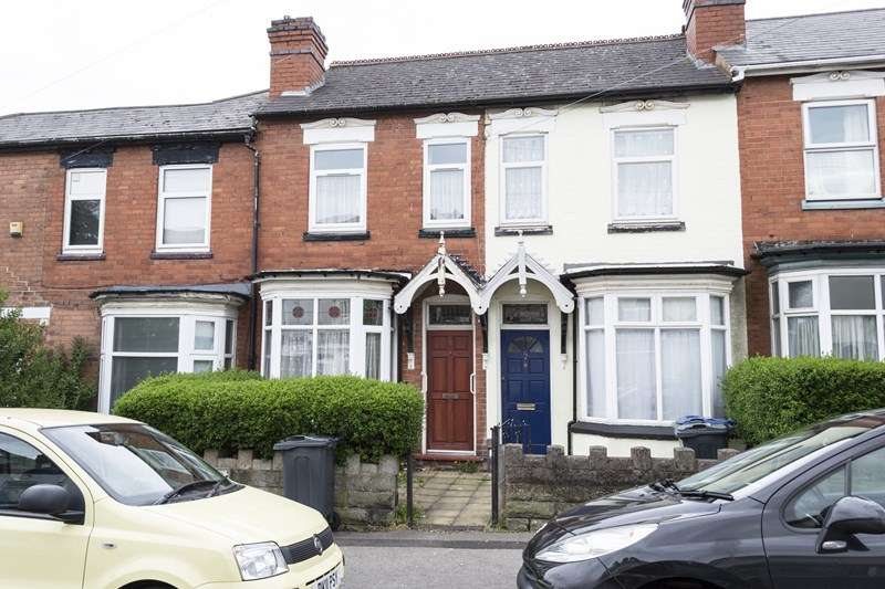 3 Bedrooms Terraced House for sale in Cemetery Road, Smethwick