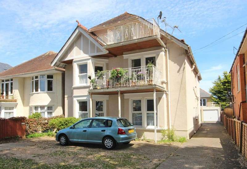 3 Bedrooms Ground Flat for sale in Grand Avenue, Southbourne, Bournemouth