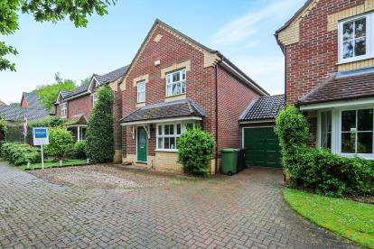 3 Bedrooms Link Detached House for sale in Attleborough