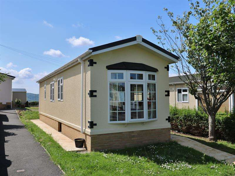 2 Bedrooms Park Home Mobile Home for sale in Vine Tree Park, Tudorville, Ross-On-Wye