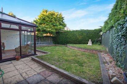 4 Bedrooms House for sale in Brendon Close, Oldland Common, Bristol