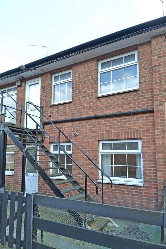 2 Bedrooms Maisonette Flat for sale in New Road, Rubery, Birmingham