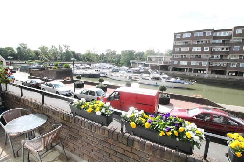 2 Bedrooms Apartment Flat for sale in Brentford Dock
