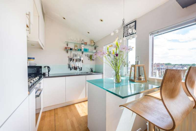 2 Bedrooms Flat for sale in The Vale, Acton, W3