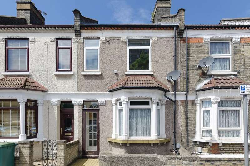 3 Bedrooms Terraced House for sale in Fernhill Street, Docklands, E16