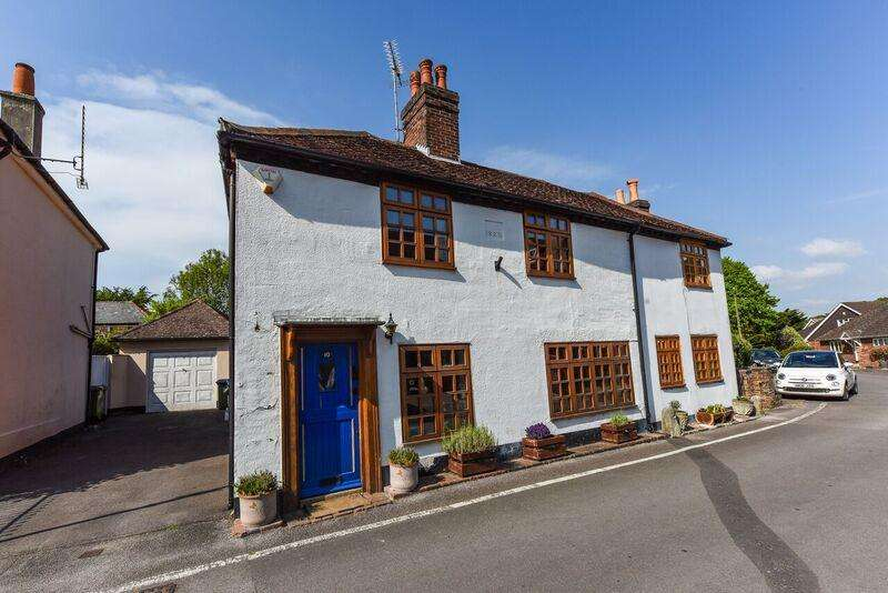 3 Bedrooms Semi Detached House for sale in Frog Lane, Titchfield PO14