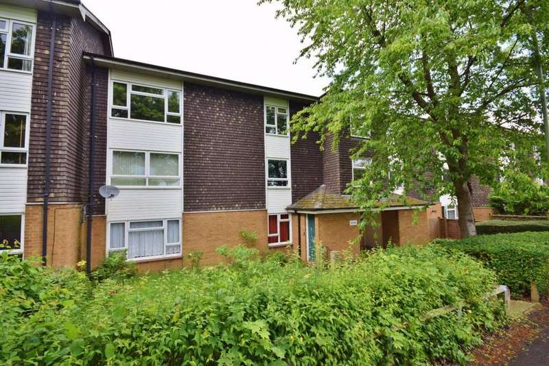 2 Bedrooms Flat for sale in Popley, Basingstoke, RG24