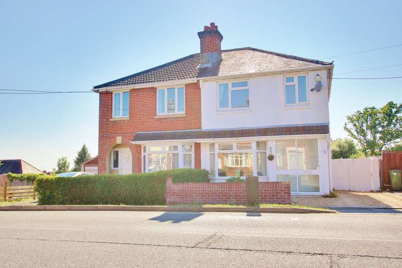 3 Bedrooms Semi Detached House for sale in Hinkler Road, Thornhill