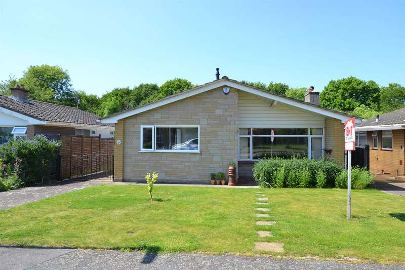 2 Bedrooms Detached Bungalow for sale in Ellison Close, Chestfield, Whitstable