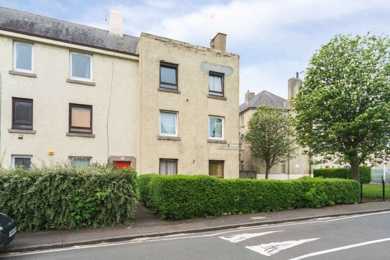 1 Bedroom Flat for sale in Loaning Crescent, Craigentinny, Edinburgh, EH7 6JN