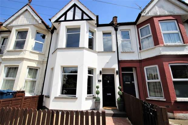 Studio Flat for sale in Merivale Road, Harrow, Middlesex