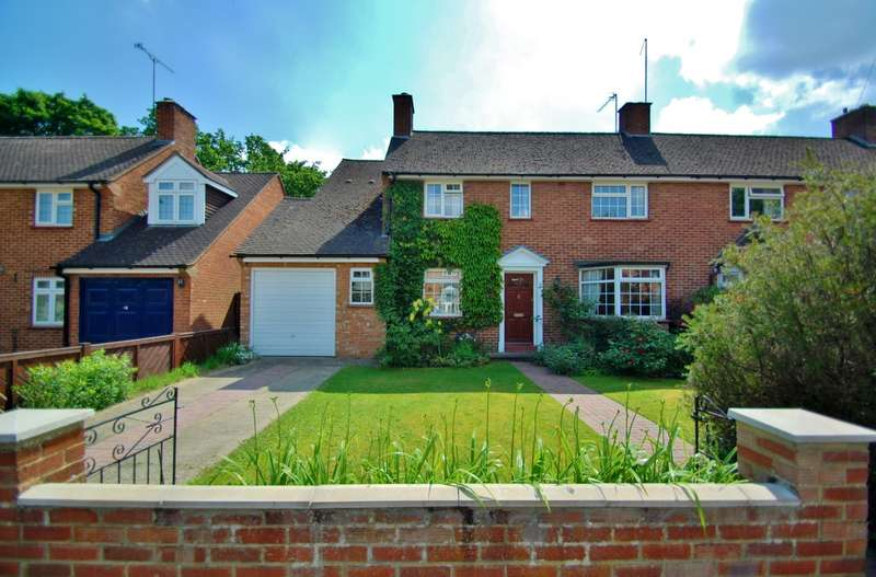 4 Bedrooms Semi Detached House for sale in Gaviots Close, Gerrards Cross, SL9