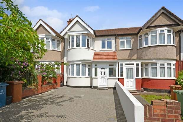 3 Bedrooms Terraced House for sale in Clitheroe Avenue, HARROW, Middlesex