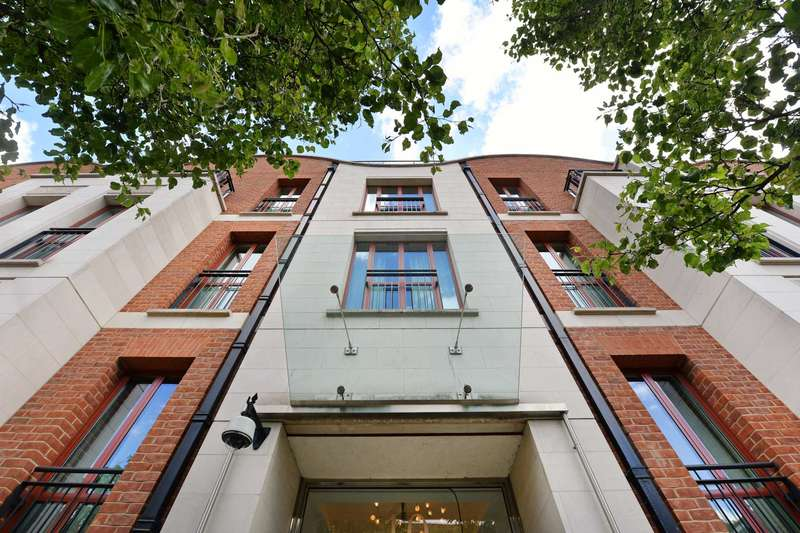 1 Bedroom Apartment Flat for sale in Lancelot Place Knightsbridge London