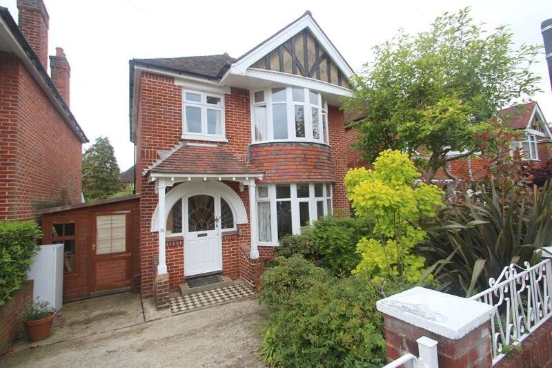 4 Bedrooms Property for sale in Brownlow Gardens, Southampton