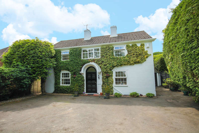 4 Bedrooms Detached House for sale in Ship Street, East Grinstead