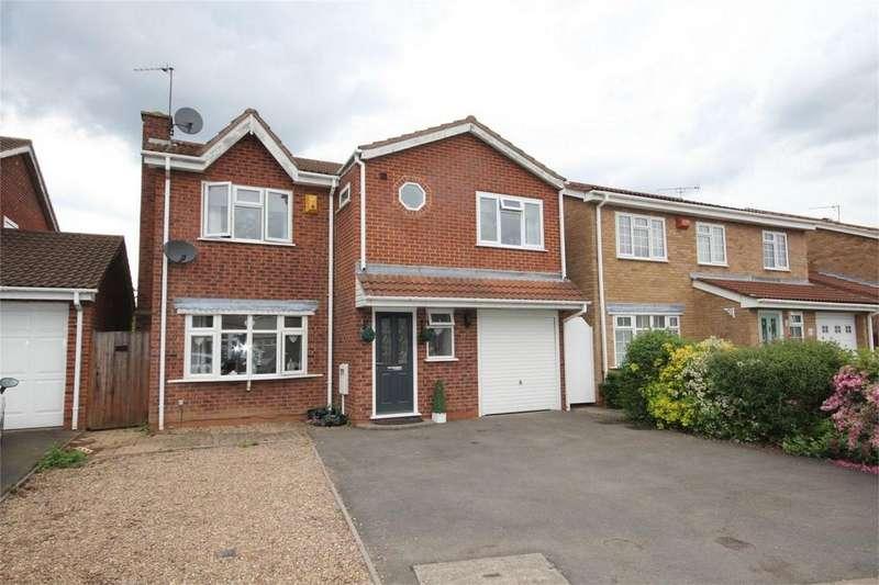 4 Bedrooms Detached House for sale in Wadebridge Drive, Horeston Grange, NUNEATON, Warwickshire