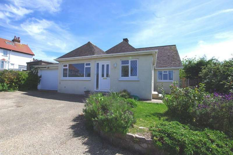 3 Bedrooms Detached Bungalow for sale in Aber Drive, Craigside, Llandudno