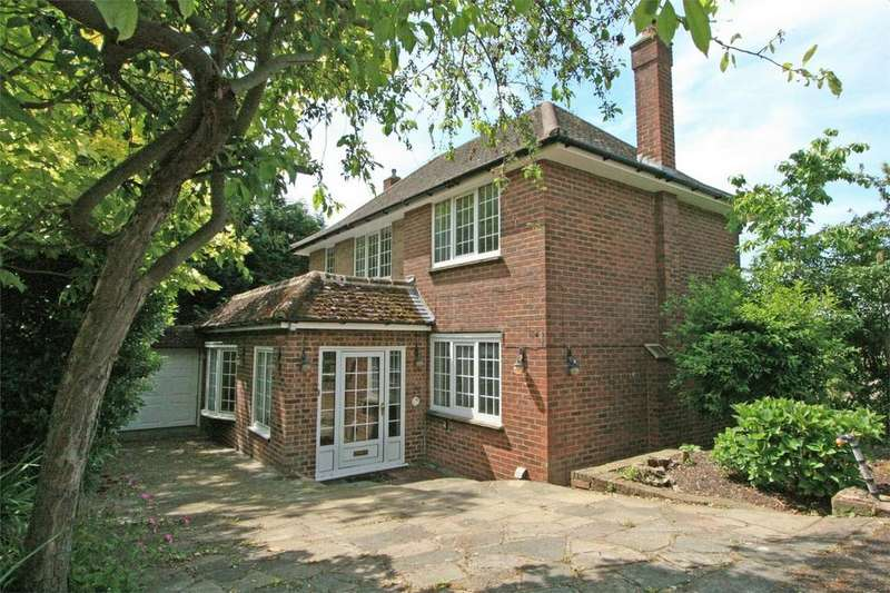 3 Bedrooms Detached House for sale in Elstree Hill, Bromley, Kent
