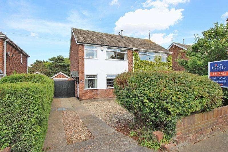3 Bedrooms Semi Detached House for sale in CHICHESTER ROAD, CLEETHORPES