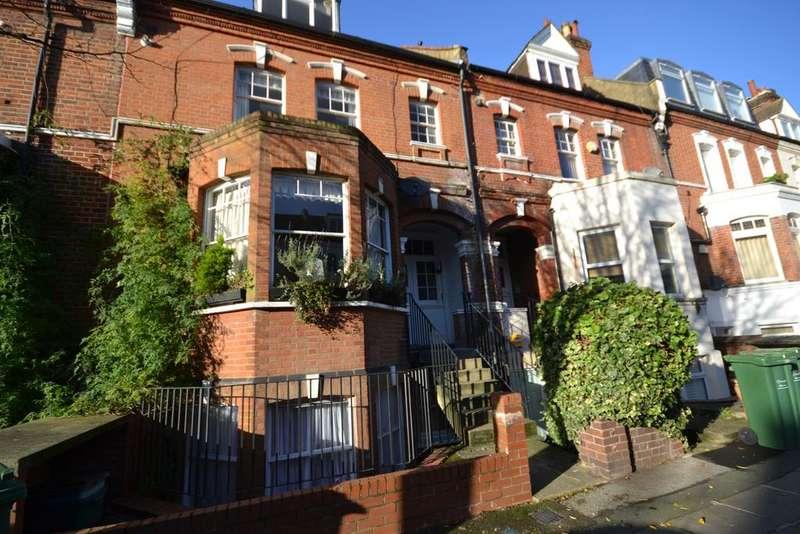 2 Bedrooms Flat for sale in Kingdon Road, West Hampstead