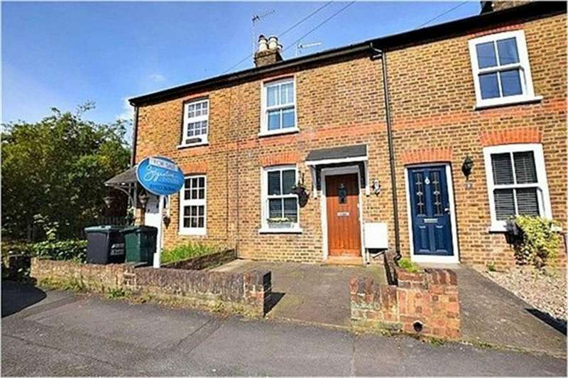 2 Bedrooms Terraced House for sale in Adrian Road, ABBOTS LANGLEY, Hertfordshire
