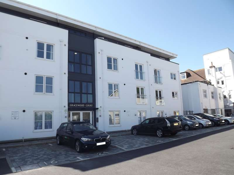 1 Bedroom Ground Flat for sale in Petitor Road, Torquay