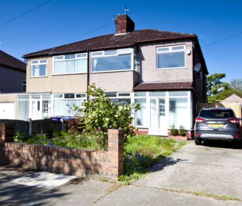 3 Bedrooms Semi Detached House for sale in Hunts Cross Avenue, Liverpool, L25