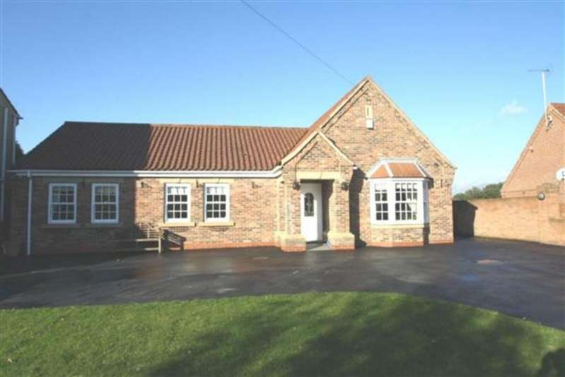 3 Bedrooms Bungalow for sale in Moss Road, Moss