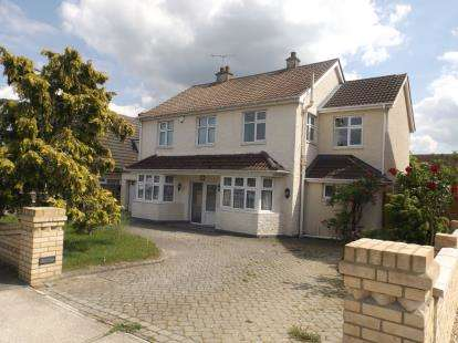 3 Bedrooms Detached House for sale in Wickford, Essex