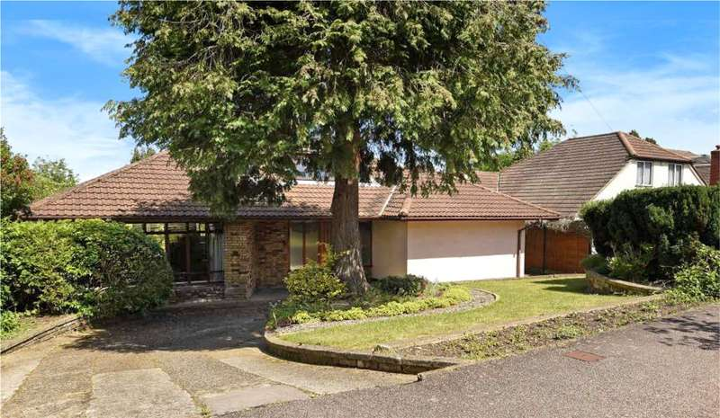 4 Bedrooms Detached Bungalow for sale in Highfield Way, Rickmansworth, Hertfordshire, WD3