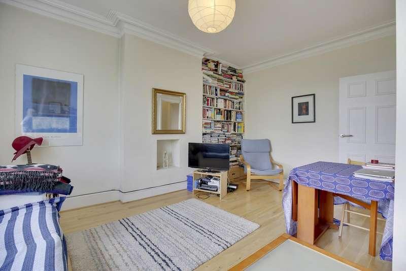 2 Bedrooms Flat for sale in Oakfield Road, Stroud Green, London, N4