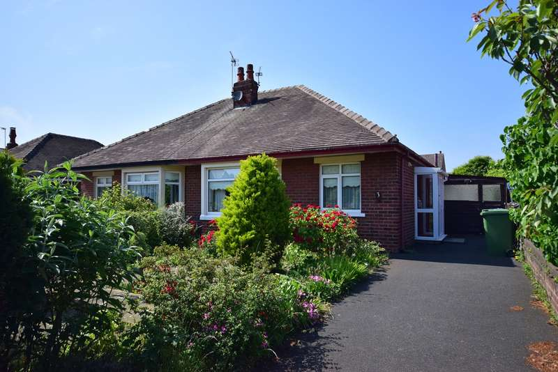 2 Bedrooms Semi Detached Bungalow for sale in Mayfield Road, Lytham St Annes, FY8