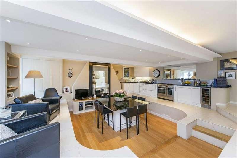 3 Bedrooms Flat for sale in Southside Quarter, Battersea, London, SW11