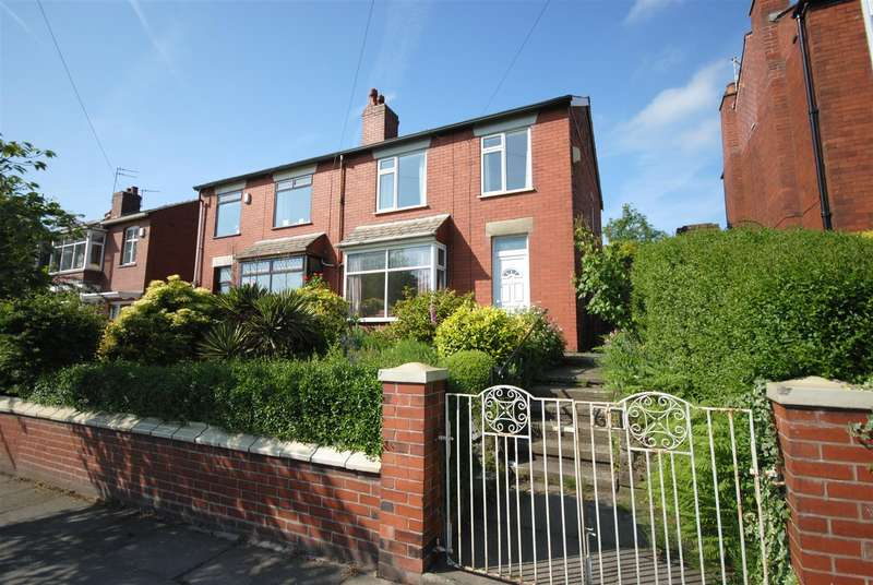3 Bedrooms Semi Detached House for sale in Walkden Avenue, Wigan
