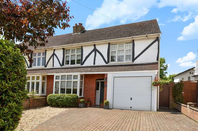 4 Bedrooms Semi Detached House for sale in Broyle Road, Chichester, PO19