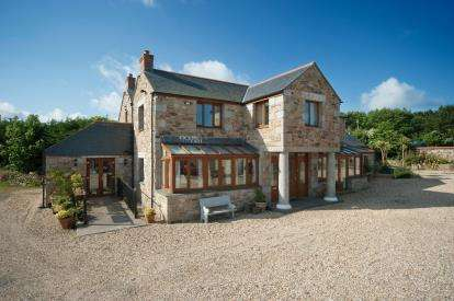 4 Bedrooms Detached House for sale in Scorrier, Redruth, Cornwall