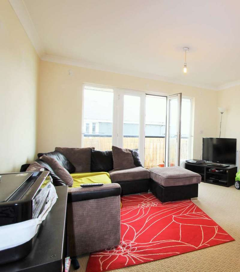 2 Bedrooms Apartment Flat for sale in Baltic Wharf, Gravesend
