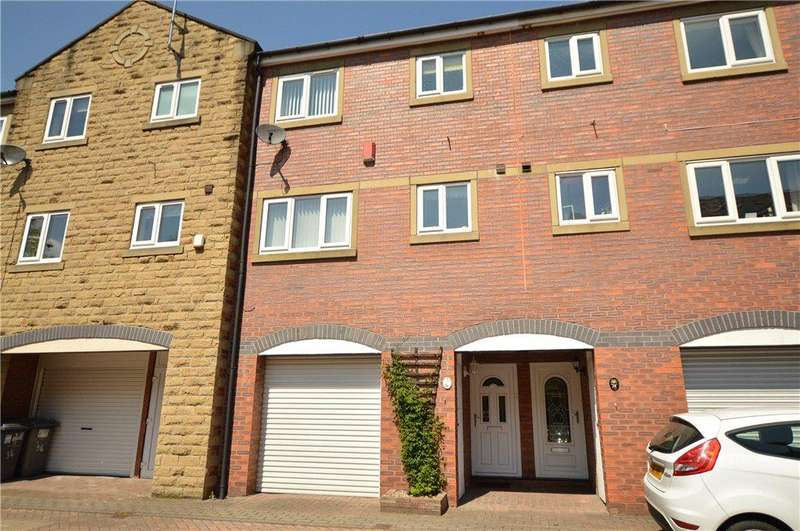 2 Bedrooms Town House for sale in Victoria Mews, Morley, Leeds