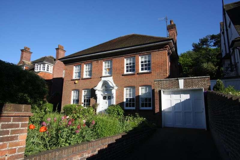 4 Bedrooms Detached House for sale in Edensor Road, Eastbourne BN20