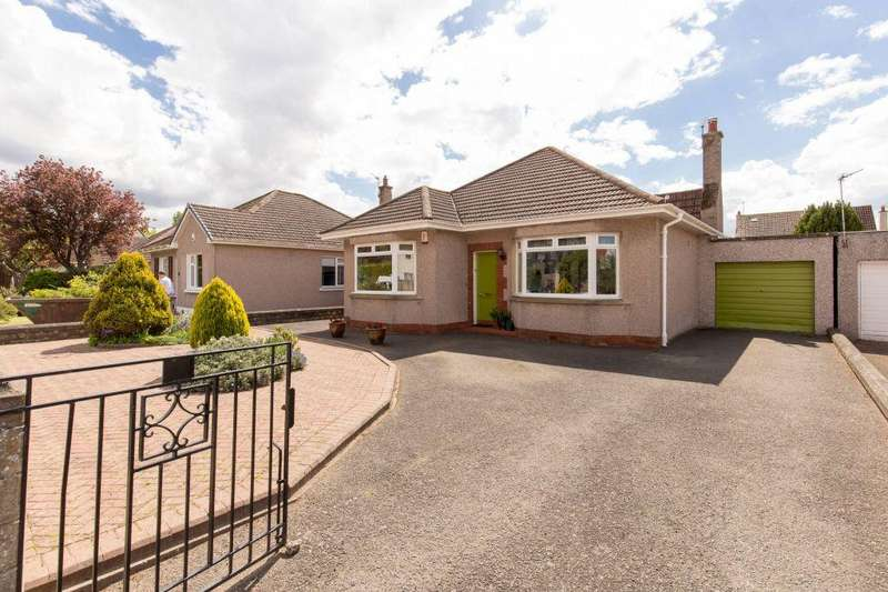3 Bedrooms Detached Bungalow for sale in 16 Cramond Avenue, Edinburgh, EH4 6NF