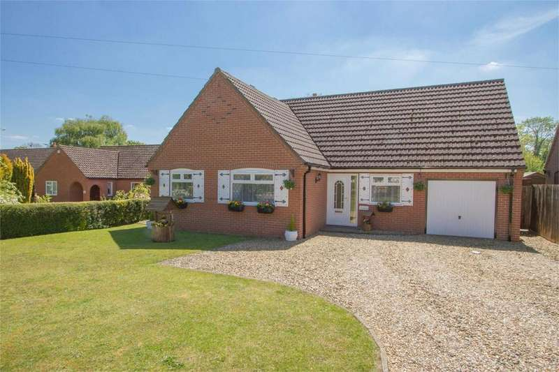 3 Bedrooms Detached Bungalow for sale in Penhill Road, Great Ellingham, Norfolk