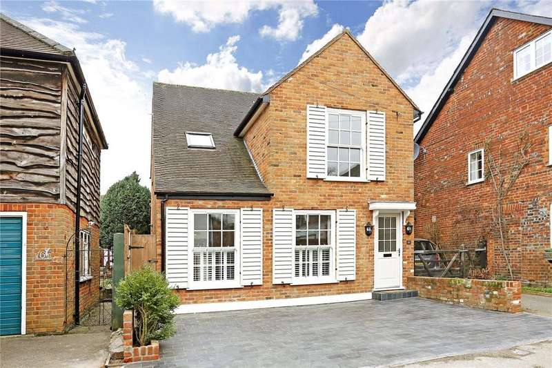 4 Bedrooms Detached House for sale in Lakes Lane, Beaconsfield, HP9