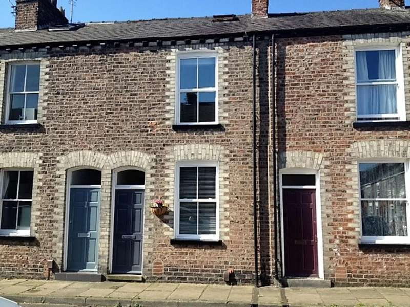 3 Bedrooms Terraced House for sale in 38 Kyme Street Bishophill York YO1 6HG