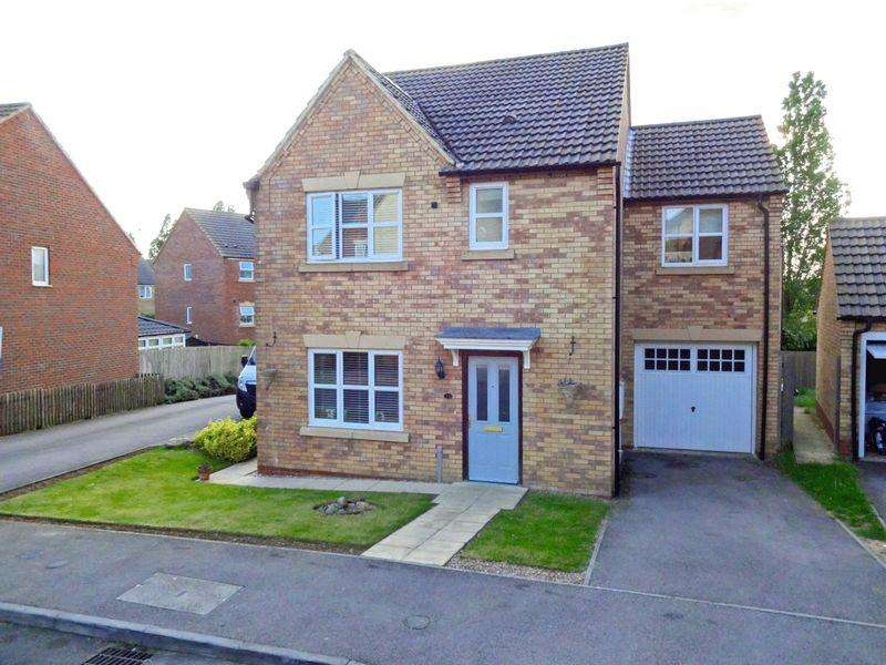 4 Bedrooms Detached House for sale in Carlisle Close, Oakley Vale, Corby